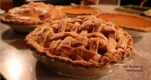 harvest dinner, apple pies, ompumc, old mission peninsula, thanksgiving, peninsula township, old mission, old mission michigan, old mission gazette, thanksgiving dinner