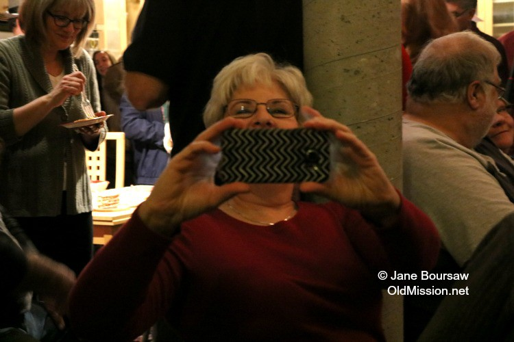 Jankowski House Party 2015: My church compadre and prayer partner Marge Long and I exchange photos | Jane Boursaw Photo