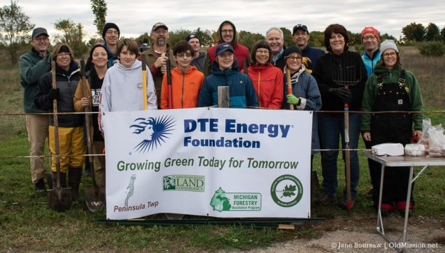 pelizzari natural area, pelizzari park, peninsula township, old mission peninsula, old mission gazette, old mission, old mission michigan, dte energy foundation, releaf michigan, dave murphy, steve lagerquist, grand traverse regional land conservancy, kay sicheneder, owen tree service, tree planting