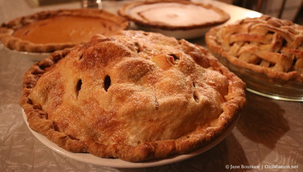 thanksgiving, pies, free community dinner, old mission gazette, old mission peninsula, old mission, old mission peninsula united methodist church, melody olin, denny olin, peninsula township