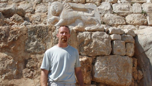 "Old Mission Author Brad Graft is Finalist for Colby Award with ""Brotherhood of the Mamluks"""