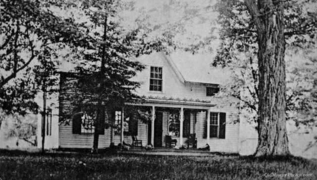 Old Mission Dougherty House Pre-Restoration