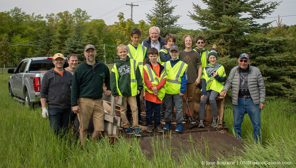 Boy Scout Troop 34 with OMP Historical Society Tree Committee chairs Jim Hall (back center) and Cal Jamieson (right) | Jane Boursaw Photo