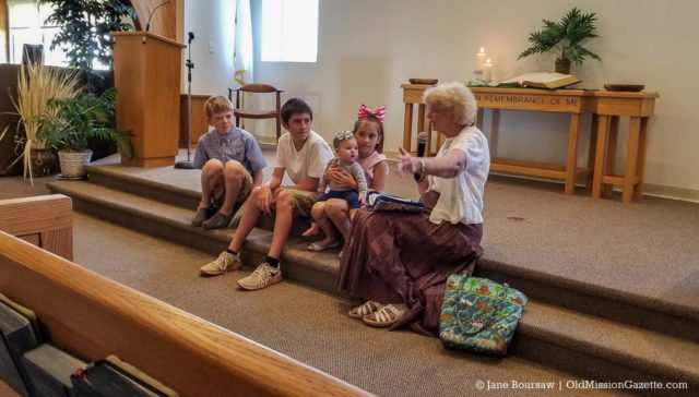 Helen (Lindsey) Mumford at kids at OMP United Methodist Church | Jane Boursaw Photo