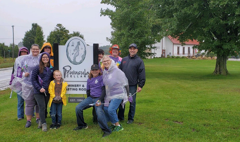 Gary's Gang at Peninsula Cellars on the 2020 Walk to End Alzheimer's | Warren Photo