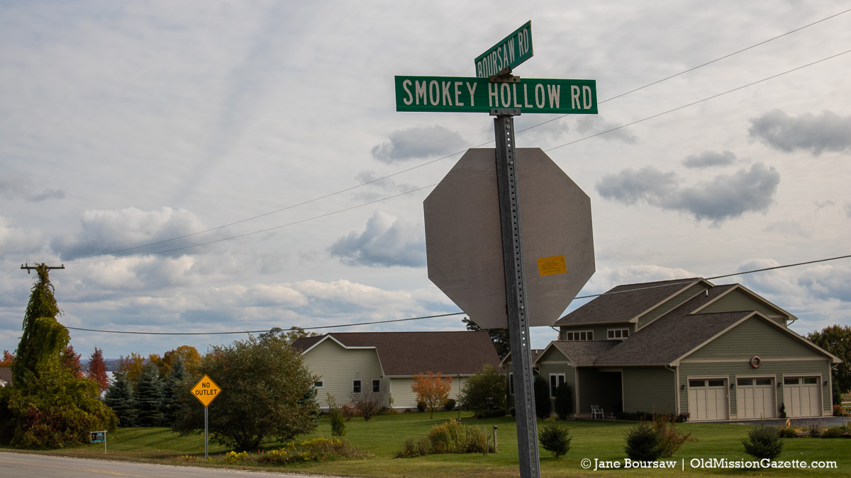 """Bluff Road gets a """"No Outlet"""" sign at corner of Smokey Hollow Road and Boursaw Road 