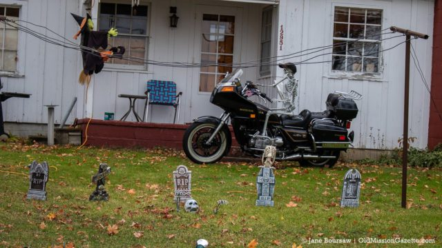 The Piermans on Bluff Road take Halloween up a notch | Jane Boursaw Photo