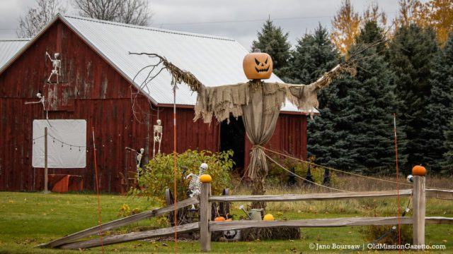 These Halloween'ers on Peninsula Drive always bring their A-game | Jane Boursaw Photo
