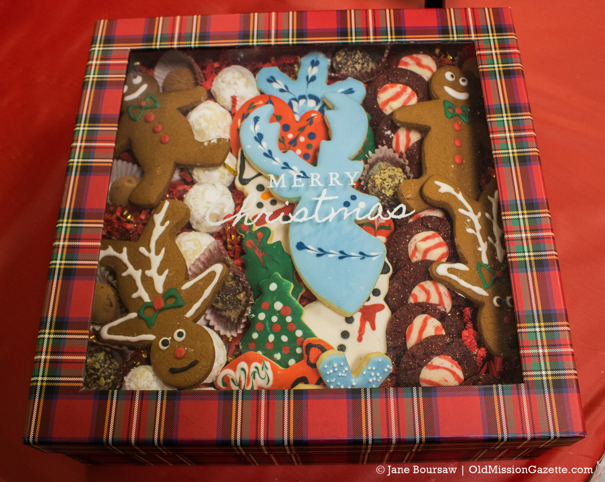 Old Mission Women's Club Cookie Raffle | Jane Boursaw Photo