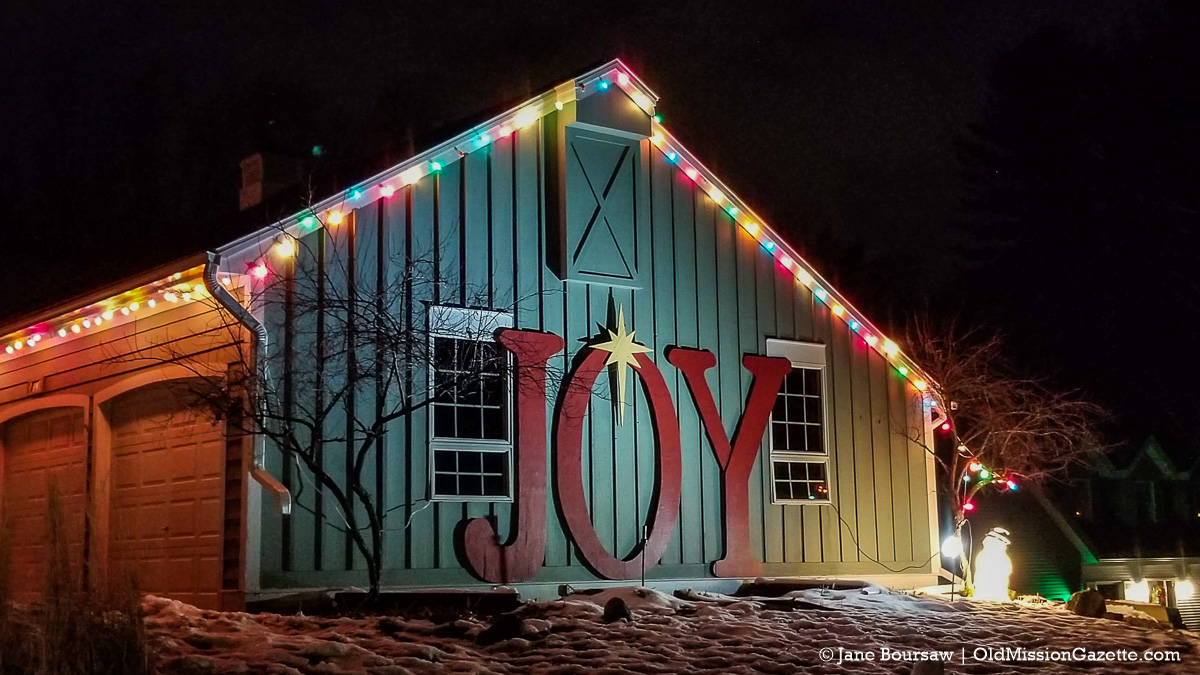 Holiday Lights 2020 on the Old Mission Peninsula | Jane Boursaw Photo