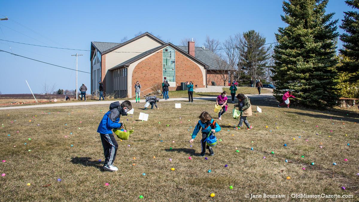 Easter Egg Hunt at Old Mission Peninsula United Methodist Church | Jane Boursaw Photo