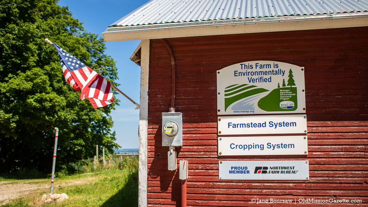 MAEAP Sign on Johnson Farms barn | Jane Boursaw Photo