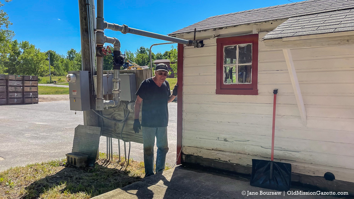 Dean Johnson at the Johnson Farms cooling pad pump house | Jane Boursaw Photo