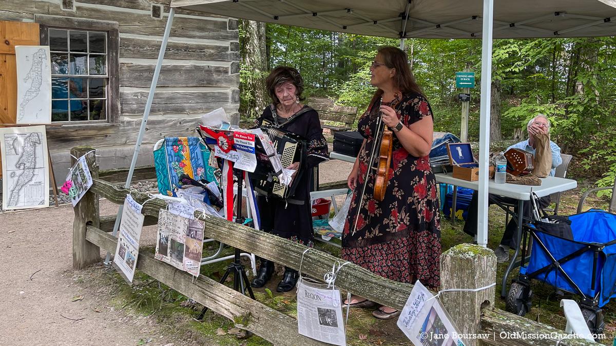 Helen Herzberg Family Band at Lighthouse Park; Harvesting History event | Jane Boursaw Photo